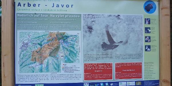 Info-Tafel zum Auerhahnschutzgebiet am Süd-Ostufer