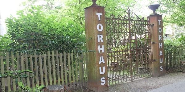 Eingang Torhaus Kunstgarten