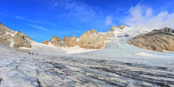 Mitten im Hochgebirge auf der Cavardirashütte
