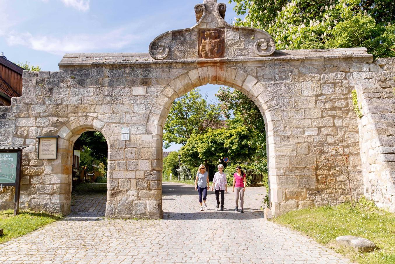 Beste Spielothek in Adelberg Kloster finden