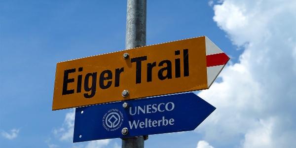 Weiss-rot-weiss markiert: Eigertrail.