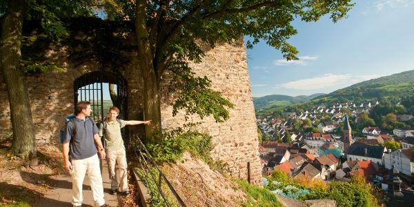 Unterwegs auf der Ruine Wolfstein