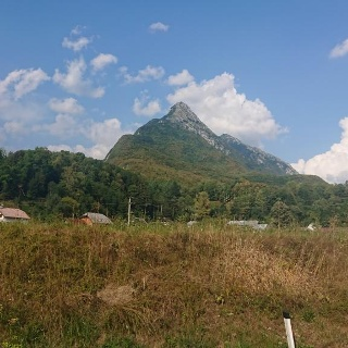 View to the Svinjak from the road