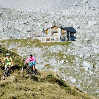Vor der Carschinahütte (entgegen der Tourrichtung)