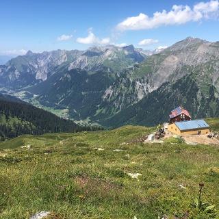 Kaltenberghütte mit neuem Nebengebäude