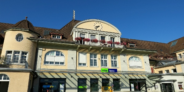 Bahnhof Spiez.