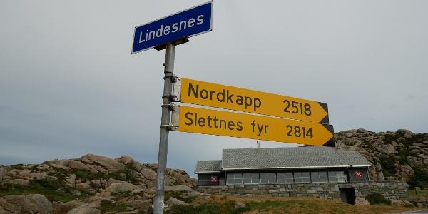 Bis zum Nordkap sind es 2518 Straßenkilometer.