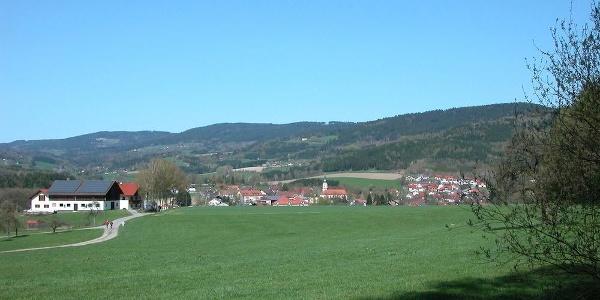 Blick nach Neukirchen am Beginn der Runde