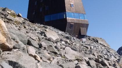 Die neue Schwarzensteinhütte. Genial!!