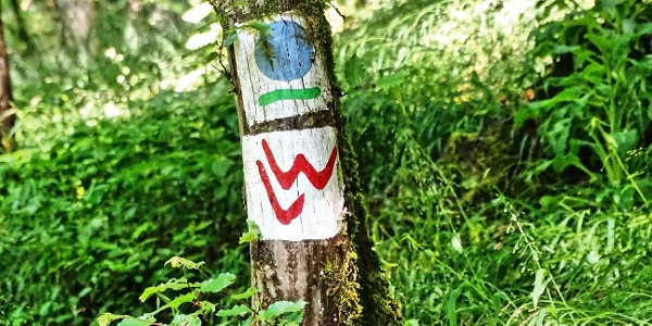 Wegemarkierung Lahnwanderweg / Hugenotten- und Waldenserpfad