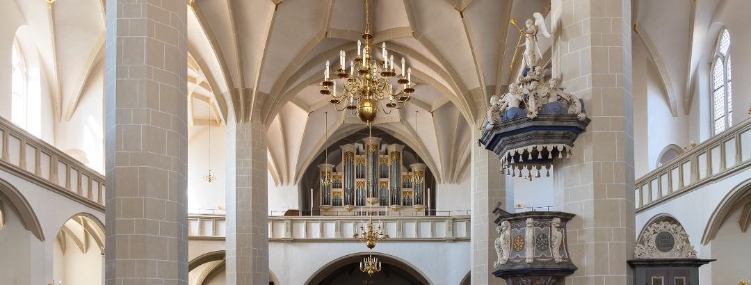 Innenraum der Stadtkirche St. Johannis