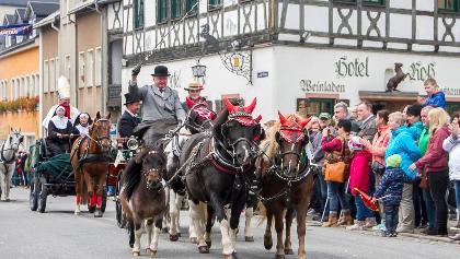 Großer Festumzug zu Pferdetag und Erntedank in Zwönitz