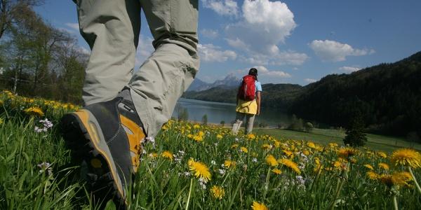 Wanderer am Weißensee