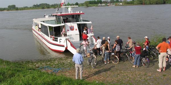 Rheinfähre Keer Tröch Xanten-Bislich