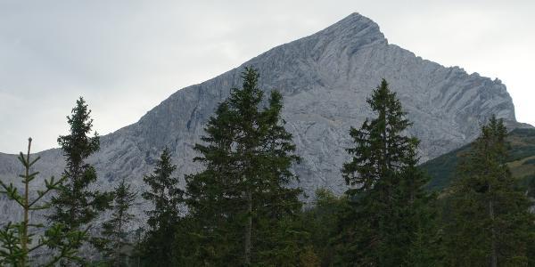 Die Nordflanke der Alpspitze.