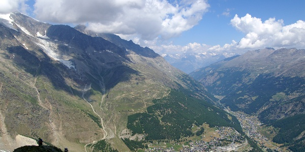 Blick vom Klettersteig Mittaghorn nach Saas-Fee.