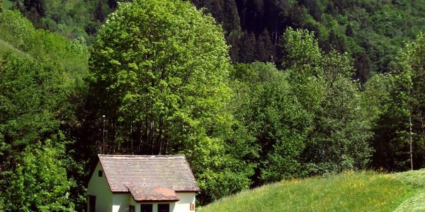 kleines Wasserkraftwerk am Schönenbach