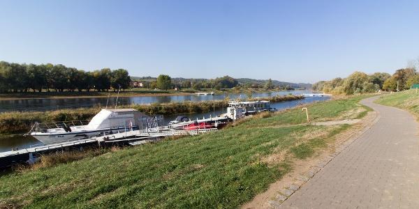 Kilometer 15: An der Fähre Coswig-Kötitz verlassen wir den Elberadweg