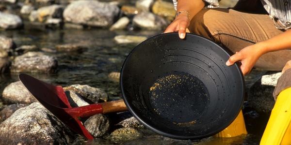 Goldwaschen wie die Goldgräber