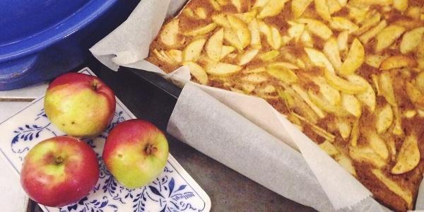 Kalarannan savustamon omenapiirakka