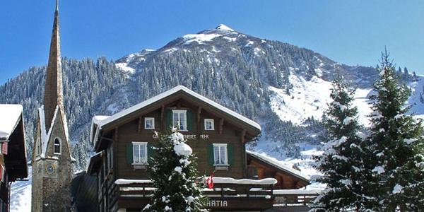 Hotel Rhätia im Winter