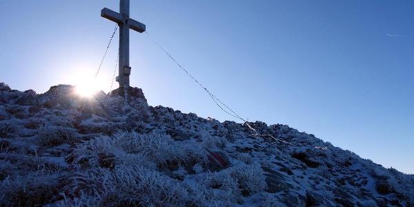 Kleiner Pyhrgas, Kreuz bei Sonnenaufgang
