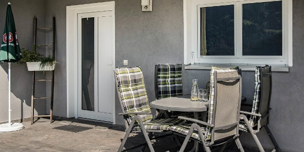 Ihre Terrasse, mit Eingangsbereich