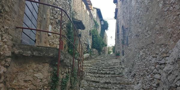 Lizori -Borgo i Castello di Pissignano