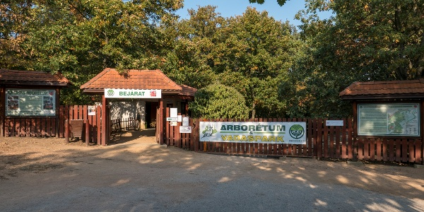 A Pákozd-Sukorói Arborétum bejárata