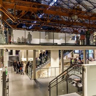 Das Theaterfoyer im Kraftwerk Mitte Dresden