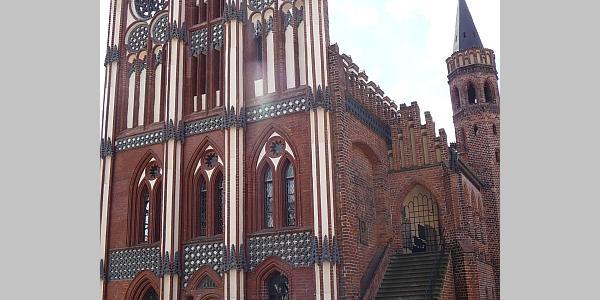 Tangermünde, Schmuckgiebel am historischen Rathaus