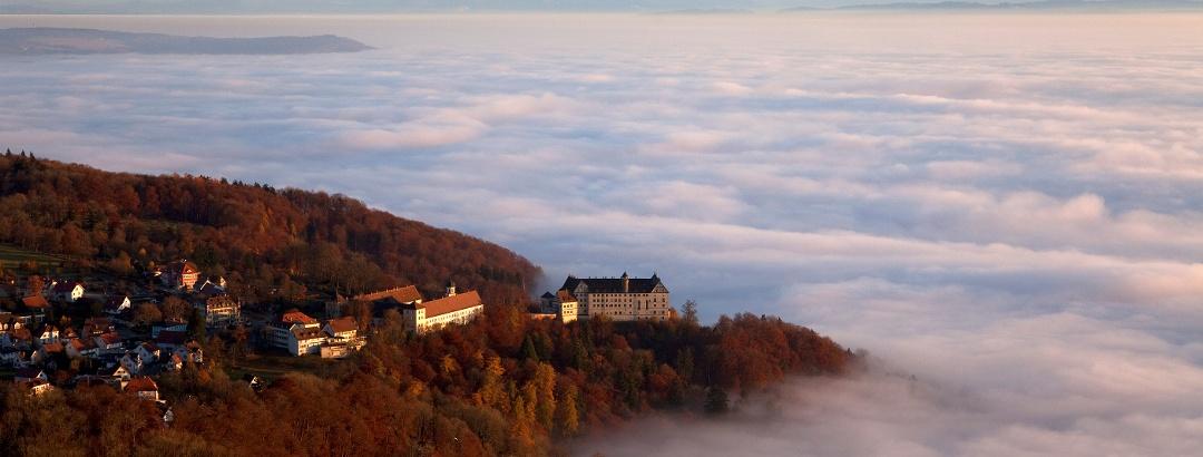 Heiligenberg über dem Nebelmeer