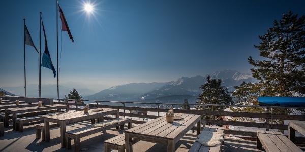 Berghaus Foppa Terrasse im Winter