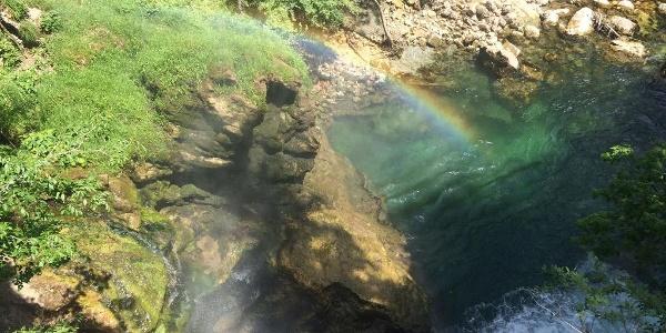 Regenbogen in der Vintgarschlucht