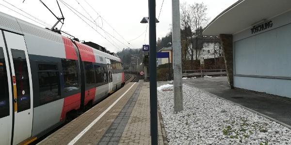Ausgangspunkt der Hohe Gallin-Wanderung: Bf. Töschling, Bahnsteig 1