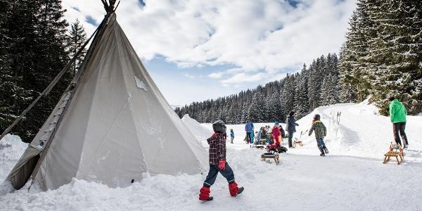 Tipi am Schlittel- und Winterwanderweg Mathon/Lohn - Dros