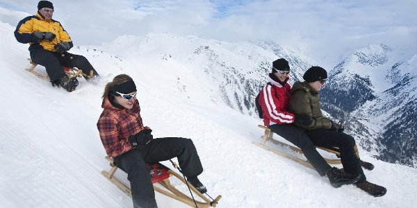 Sledging fun of 13 km from Grimselpass to Oberwald