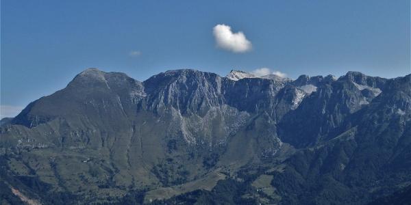 La vista sulla catena montuosa del Krn (Monte nero)