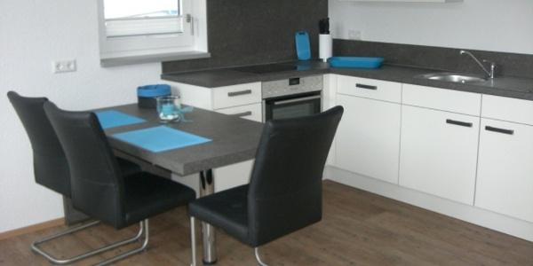 Küche und Essplatz Wohnung 3