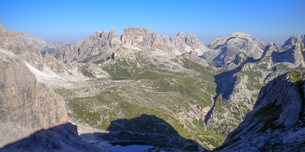 Blick auf den Lago di Cenqia unterhalb der Hütte