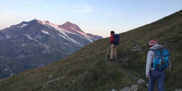 Gipfelglühen auch am Dome De La Sache und Mont Pourri