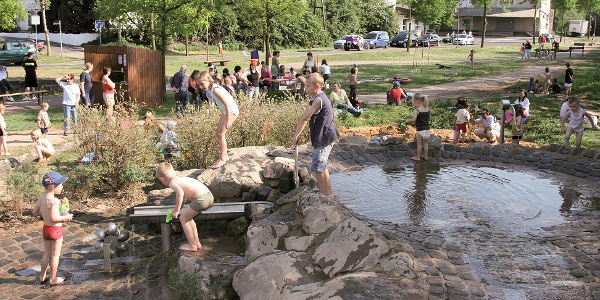 Maifeld-Radwanderweg_Wasserspielplatz in Mertloch