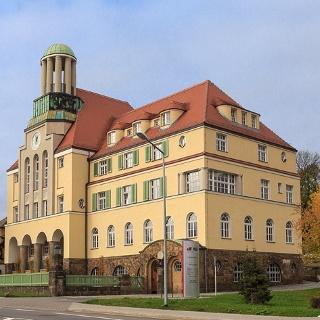 ehem. Rathaus Döhlen, heute Haus der Wohnungsgesellschaft Freital mbH