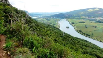 Les Farnets: Blick auf die Rhône und Peyrieux