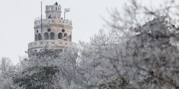 Az Erzsébet-kilátó télen