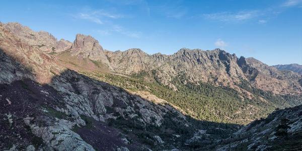 Pohorie okolo údolia Asco