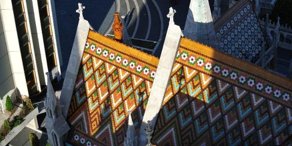 A Mátyás-templom Zsolnay-cserepei