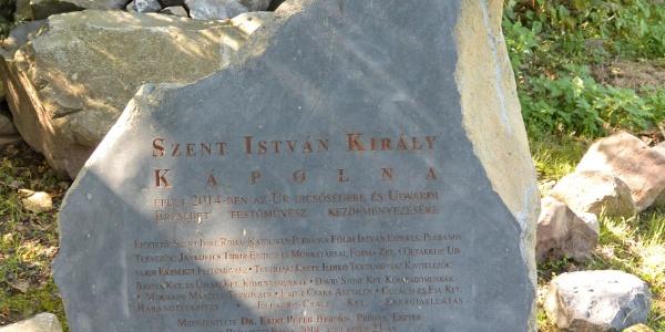 """""""Információs kő"""" a badacsonyi Szent István király kápolnánál"""