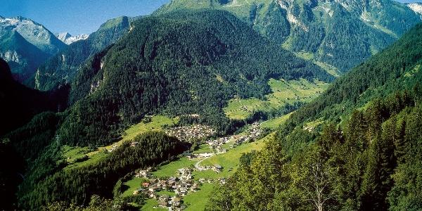 """Finkenberg mit der """"Glocke"""" - einem der wenigen Schluchtwälder der Alpen"""
