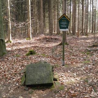Gedenkstein 1000. Hirsch